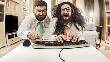 Deutsche sind 50 Stunden pro Woche online