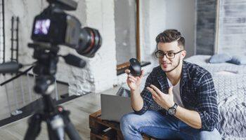Jugendliche Influencer steuern Kaufentscheidungen